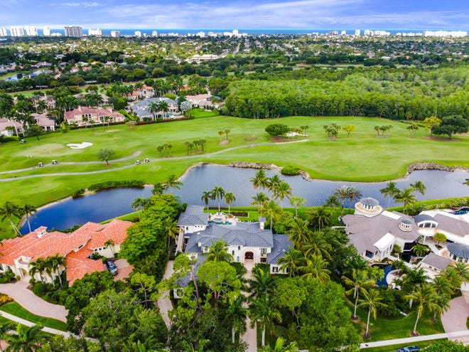 With almost a hundred golf courses in the area combined with a plethora of luxury residences and social amenities, Naples is often recognized as the golf capital of the world.