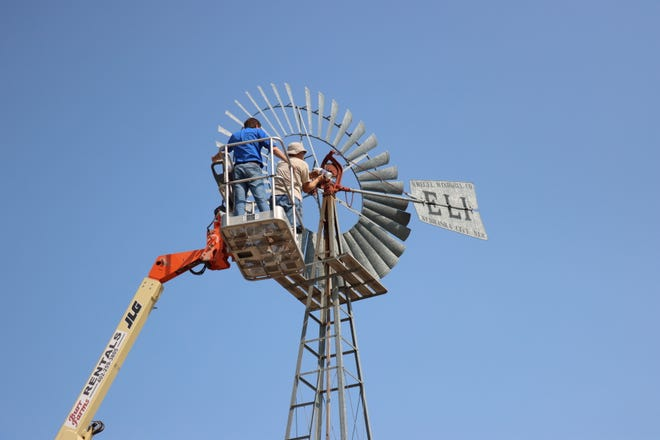 Kregel Windmill photo
