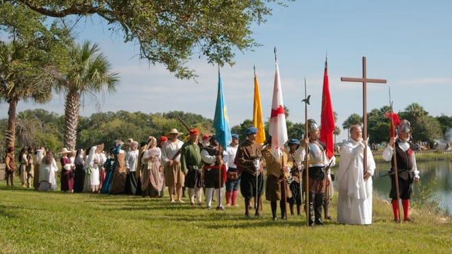 La celebración del 456 ° Día del Fundador de San Agustín se llevará a cabo este año el 4 de septiembre, con una recreación del evento histórico en la Misión Nombre de Dios, 27 Ocean Ave.  y el Parque Arqueológico Fuente de la Juventud, 11 Magnolia Ave.  en St.  Agustín.