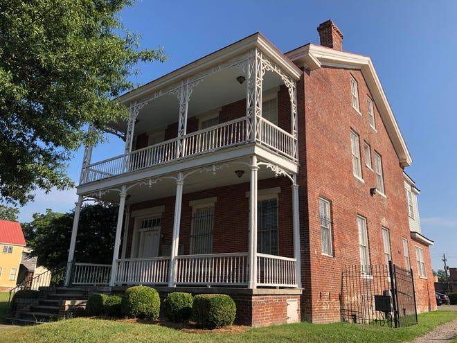 The downtown Stovall-Barnes House, which dates to 1860, will be refurbished by ATC Development as they build an upscale apartment complex on a nearby block.