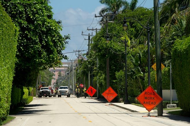 Work on Phase 3 South of the town's utilities undergrounding project continued Aug. 12.  Phase 3 South, from South Ocean Blvd. and South County Road to the alleyway south of Worth Avenue, is 18% complete.