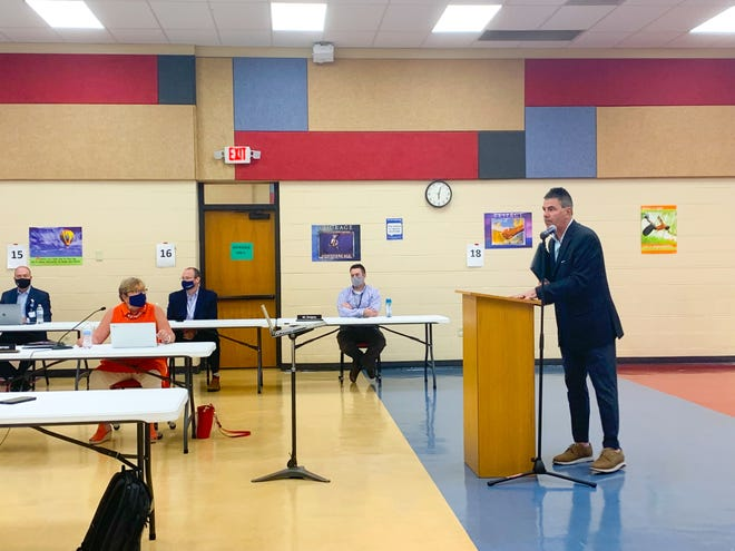 Marshall Ney, attorney for the Fort Smith Public School District, talks to the board of education Thursday when discussing the staff mask mandate that was put into effect.