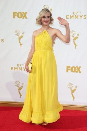 15.09.20 16:45:01 – Los Angeles, Kalifornia, USA – Taylor Schilling przybywa na 67. Primetime Emmy Awards w Microsoft Theater w Los Angeles, Kalifornia – Zdjęcie: Dan McMaidan, fotograf kontraktowy USA TODAY ORG XMIT: DM 133698 NAGRODY EMMY CZERWONE 20.09.2015 (przez OlyDrop)