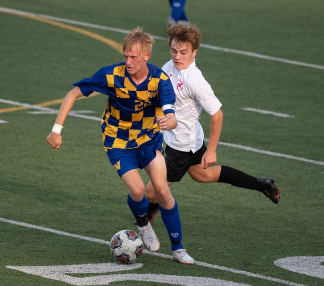 Aiden Strand-Fox and Wooster enter the playoffs looking for their first district berth in more than a decade.