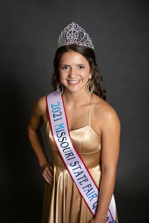 Miss Rosie Lenz of Prairie Home was crowned the 2021 Missouri State Fair Queen in a ceremony held Thursday, Aug. 12, during the State Fair. Miss Lenz is the 22-year-old daughter of Chris and Suzanne Lenz and is a senior at William Woods University.