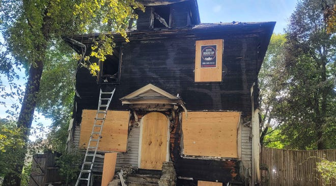 A Worcester couple and their daughter narrowly escaped a fire at 23 Ferdinand St. early Sunday morning.