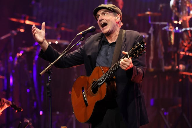 James Taylor will require fans to show proof of vaccination or a negative COVID test to attend his Florida shows in November.