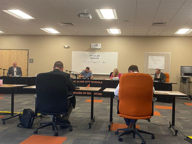 The Ashland Board of Education meets Monday evening.