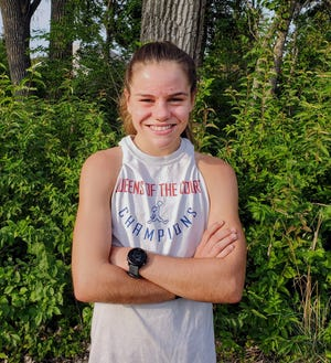 Ballard's Paityn Noe will be the favorite to win the Class 3A girls' individual state cross country championship in 2021. Noe finished second to teammate Shewaye Johnson at last year's state meet and she has the fastest 5-kilometer time in Ballard history.