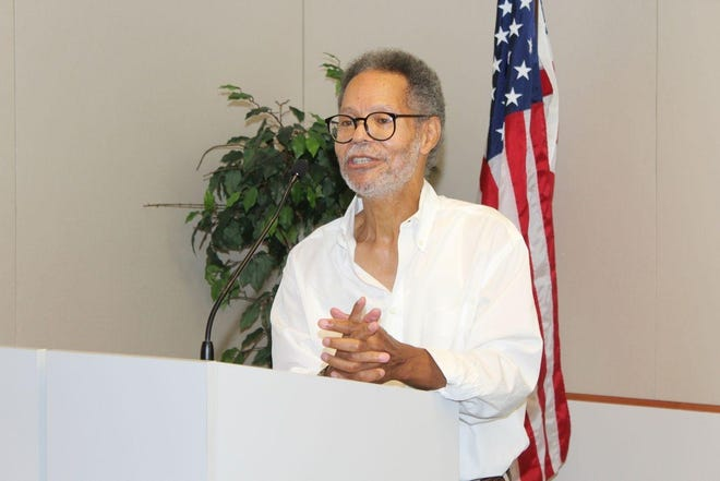 Ulysses Kirksey speaks at the Women's Committee Petersburg Symphony Orchestra in 2015. The conductor passed away on Aug. 13 2021 after over 40 years with the Petersburg Symphony Orchestra.