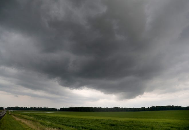 Strom clouds near Freedom following a reported tornado between Black Creek and Nichols on Tuesday, August 10, 2021, in Freedom, Wis. Wm. Glasheen USA TODAY NETWORK-Wisconsin