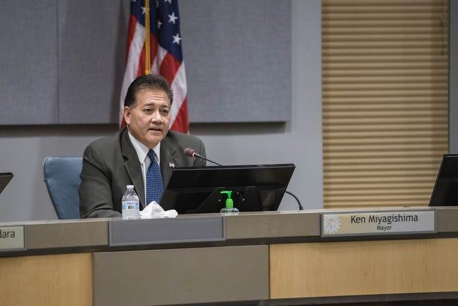 Mayor Ken Miyagishima attends a City Council meeting at the Las Cruces City Hall on Monday, Aug. 16, 2021.