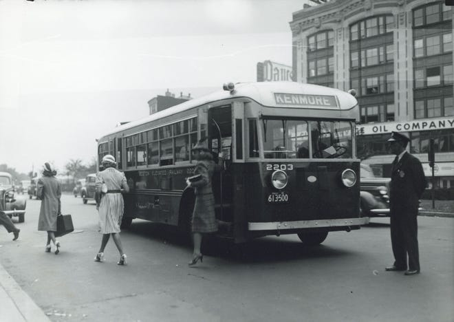 This is what bus transportation looked like in Kenmore Square during the 1940s. There was a lot less traffic in those days. Learn more from Digital Commonwealth at www.digitalcommonwealth.org.