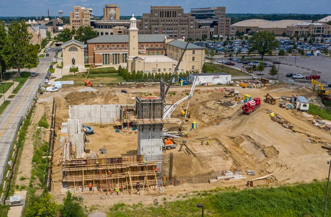 Construction continues for the Raclin Murphy Museum of Art at the University of Notre Dame near the intersection of East Angela Boulevard and North Eddy Street.