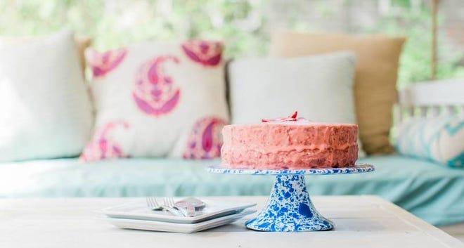 Mawmaw's Strawberry Cake