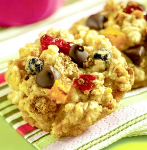 Oatmeal cereal cookie. Healthy eating is simple for children: Make their favorite dishes at home from scratch.