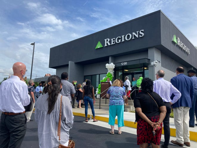 Melanie Blank, Metro Nashville consumer banker executive for Region Banks speaks at the ribbon-cutting ceremony at the recently rebuilt North Nashville Regions Bank branch.
