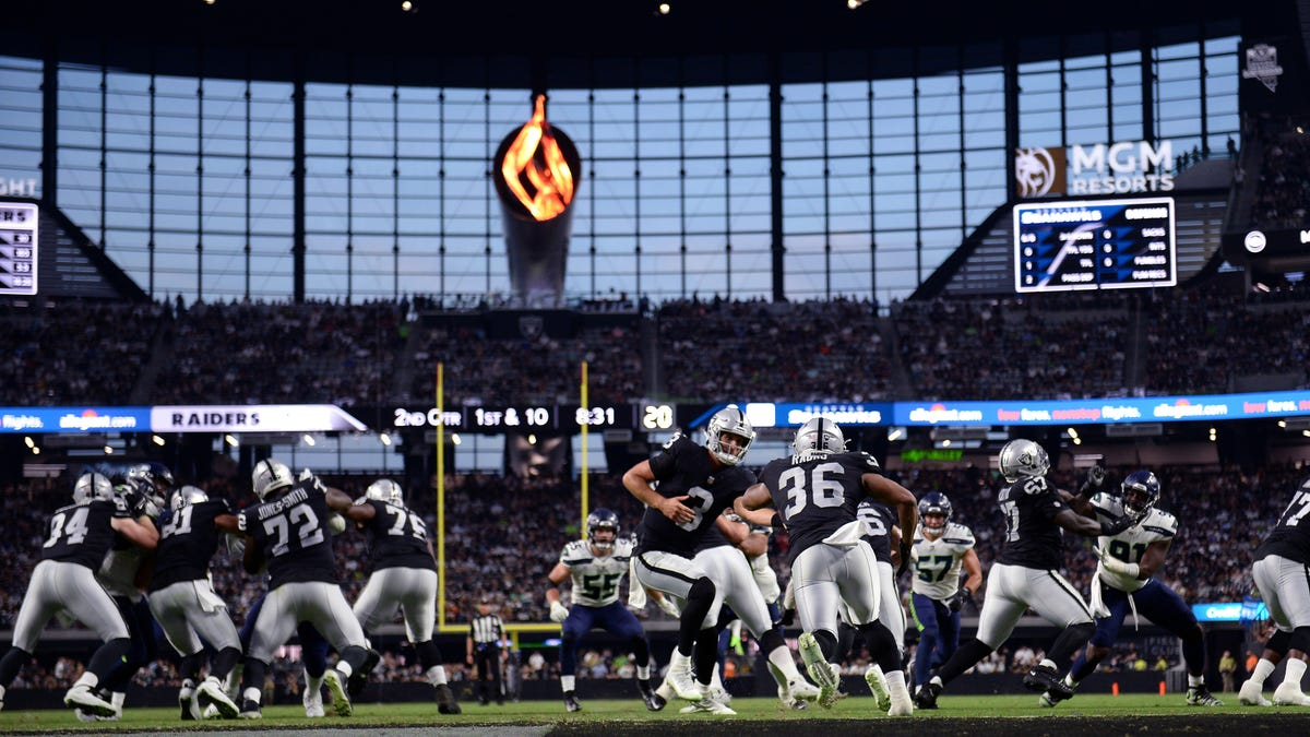Las Vegas Raiders become first NFL team to require proof of vaccination to attend home games