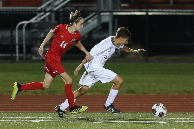 Sophomore Landon Miars (right) is a key contributor to Reynoldsburg's defense as a center back. The Raiders are hoping to improve on last year's finish of 8-7-3 overall and 3-1-1 in the OCC-Buckeye.