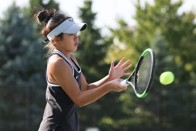 Junior Sidney Choo is one of the top returnees and key leaders for Central. She is expected to share first singles with sophomore Lauren Muniu.