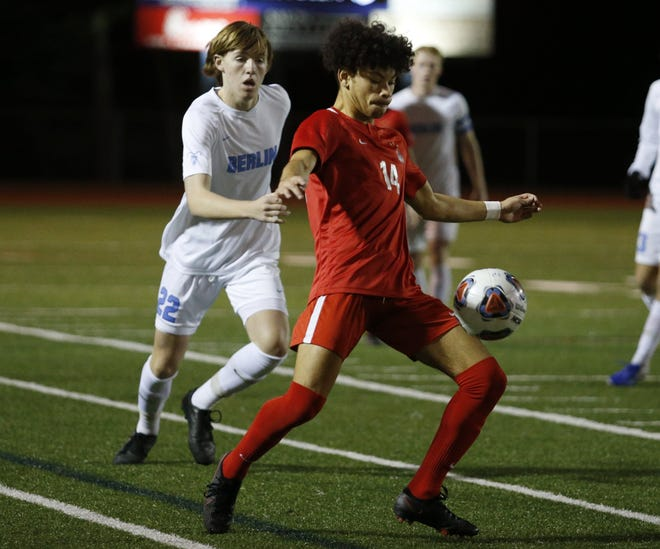 Senior Matias Barinas and his Thomas teammates are hoping to compete for the program's fourth state championship after losing in a Division I regional final last season.