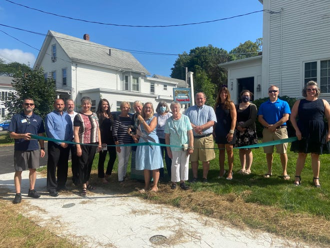 Representatives from the Greater Dover Chamber of Commerce recently joined staff and volunteers of Seacoast Birthright for a ribbon cutting ceremony to welcome Seacoast Birthright to the Dover Chamber.