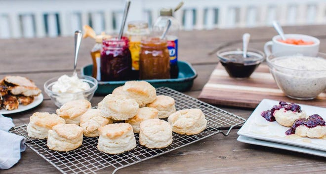 How to set up a biscuit bar