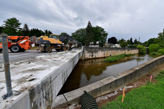 A bridge, located at the intersection of Pennsylvania Avenue and Wood Street, crossing Willis Run, is under construction in York City, Wednesday, Aug. 18, 2021. Dawn J. Sagert photo