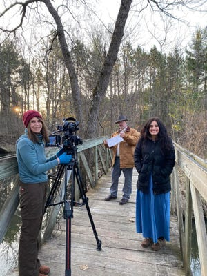 """Leah Brown films a preview scene for the film adaptation of her novel """"Wanders Pass"""""""
