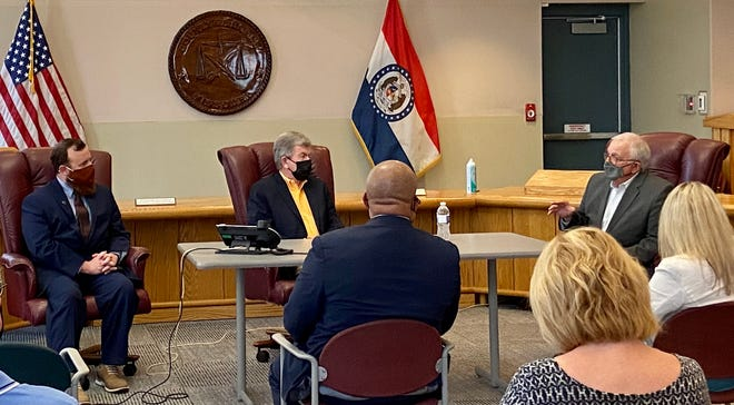 Sen. Roy Blunt discusses broadband connection during a roundtable discussion Wednesday at the Boone County Government Center.