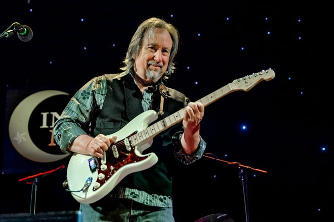 Legendary singer-songwriter Jim Messina will perform at The Mulehouse on Monday, Aug. 23. Prior to the performance, Messina stopped by the WKOM studios in Columbia for a special interview.