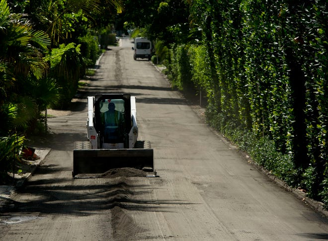 Milling and resurfacing continues Wednesday on Merrain Road in Palm Beach. Crews will be milling and resurfacing all road rights-of-way from Merrain Road south to La Puerta Way in Palm Beach until Sept .3.