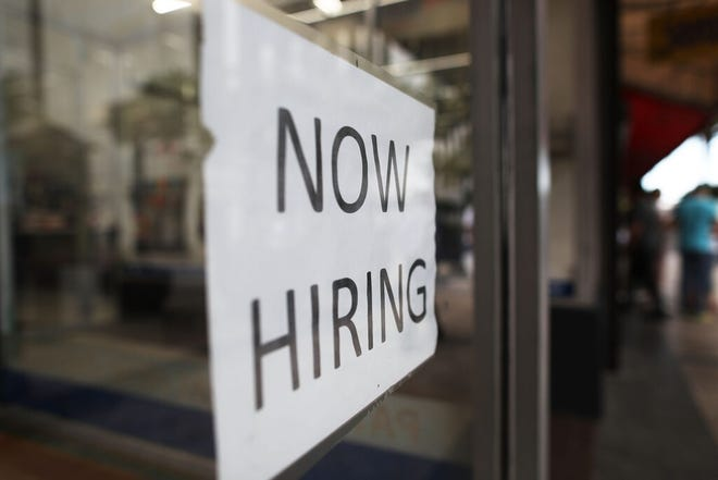 MIAMI, FL - MARCH 10:  A Now Hiring sign is seen as the Bureau of Labor Statistics reports that nonfarm payrolls increased by 235,000 in February and the unemployment rate was 4.7 percent in the first full month of President Donald Trump's term on March 10, 2017 in Miami, Florida. (Photo by Joe Raedle/Getty Images)