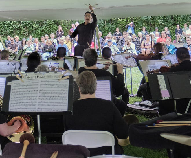 """Soo Han will direct the Elkhart County Symphony in its 2021-22 concert schedule for """"Season of Celebrations and New Journeys"""""""