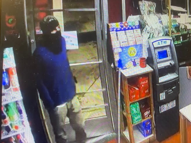 Clarksville Police search for knife-wielding gas station robbery suspect. Aug.13 2021