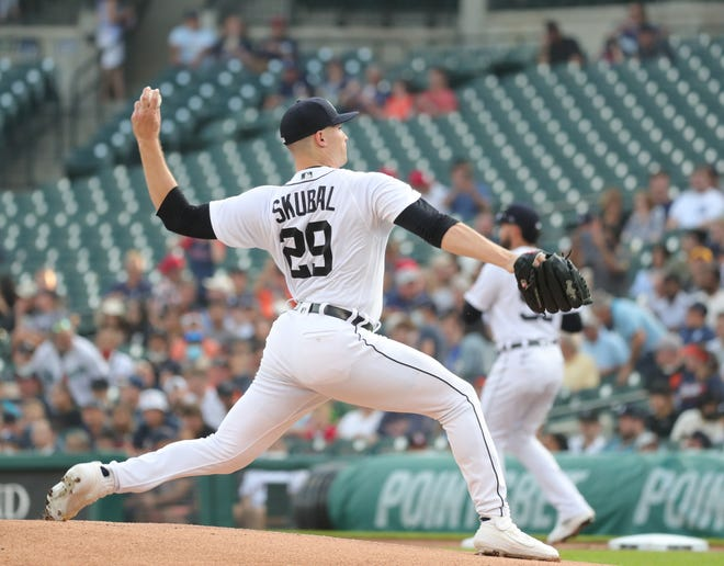 O jogador do Detroit Tigers Tariq Scobal (29) joga contra o Los Angeles Angels durante seu primeiro jogo no Comerica Park na quarta-feira, 18 de agosto de 2021.