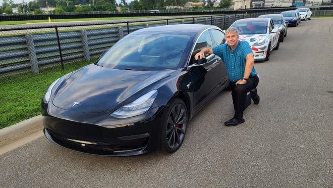 The Detroit News Henry Payne joined the Tesla Owners Club of Michigan in his Model 3 for the club's first cruise down Woodward.