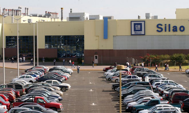 Workers at the GM plant in Silao voted over two days to end a collective bargaining contract negotiated by an old guard union.