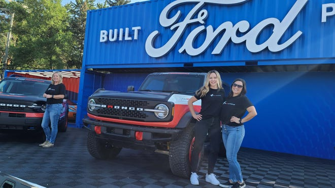 Pro racers Shelby Hall (right) and Penny Dale will lead Ford Bronco's assault on the Rebelle Rally in a 2021 2-door Bronco.