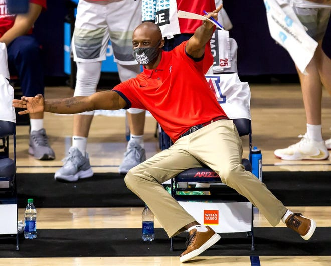 Jason Terry spend a season on Sean Miller's staff at Arizona and was retained by coach Tommy Lloyd.