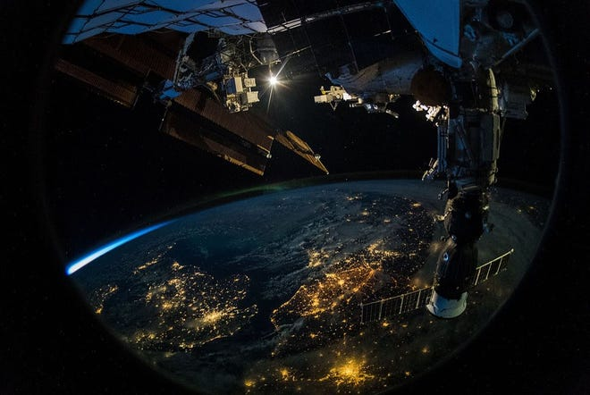 The lights of Europe, visible as the International Space Station passes overhead of people on the ground who may be watching it cross the heavens. Photo taken September 21, 2018. Credit: ESA/Alexander Gerst.  Creative Commons Attribution-Share Alike 2.0 Generic license./ Photo: Wikimedia Commons