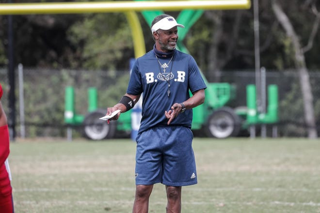 FAU coach Willie Taggart has a 1-4 road record since arriving in Boca Raton last year.