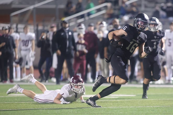 Vandegrift's Reece Beauchamp races to the end zone in a 2020 playoff win over Austin High. The versatile Beauchamp will play a big role for the Vipers this season.
