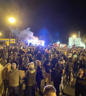 A view of the crowd downtown during the street dance with Snake Oil
