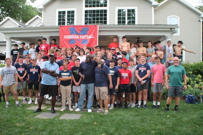 O.J. Anderson and Lawrence Taylor, who helped the Giants win the 1991 Super Bowl, surprised the Mendham football team at its preseason barbecue on Friday.