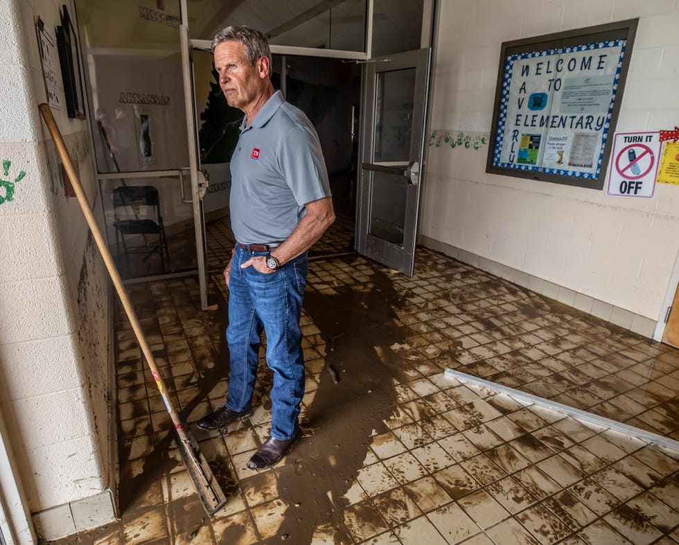 Governor Bill Lee visits Waverly Elementary School while touring flood damage and meeting those affected by it in Waverly Sunday, August 22, 2021.