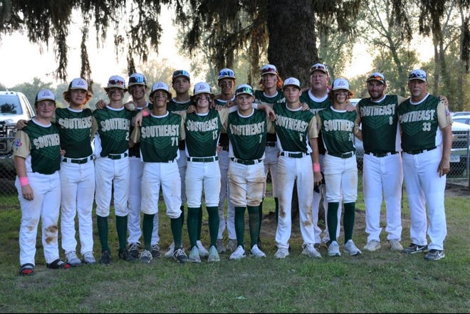 Members of the TLBR 14U World Series team pose for a team photo.