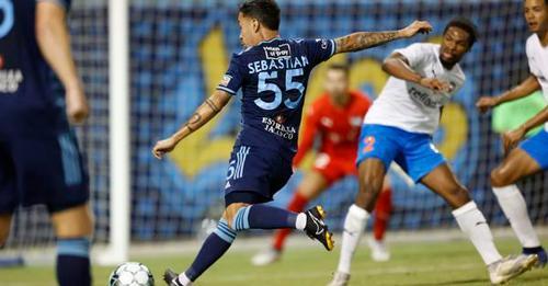 El Paso's Sebastian Velasquez fires s shot Saturday night in a 3-1 victory over Rio Grande Valley