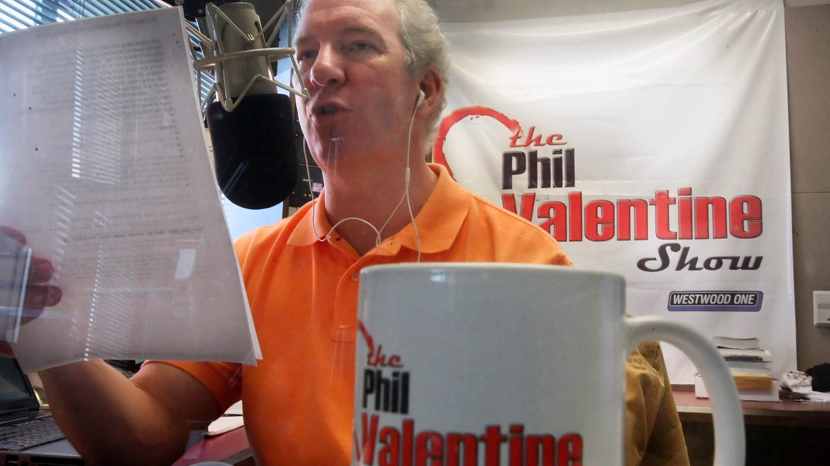 Phil Valentine, Tennessee radio host who was a vaccine skeptic, dies of COVID at 61