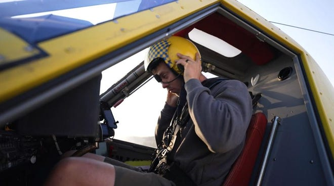 Pontiac Flying Service has 14 pilots who fly Air Tractors for aerial applications. The planes can hold up to 800 gallons of liquid. Together, the pilots can cover up to 30,000 acres in a day.